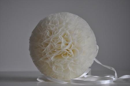Pompon tiulowy Kremowy 10 cm, handmade